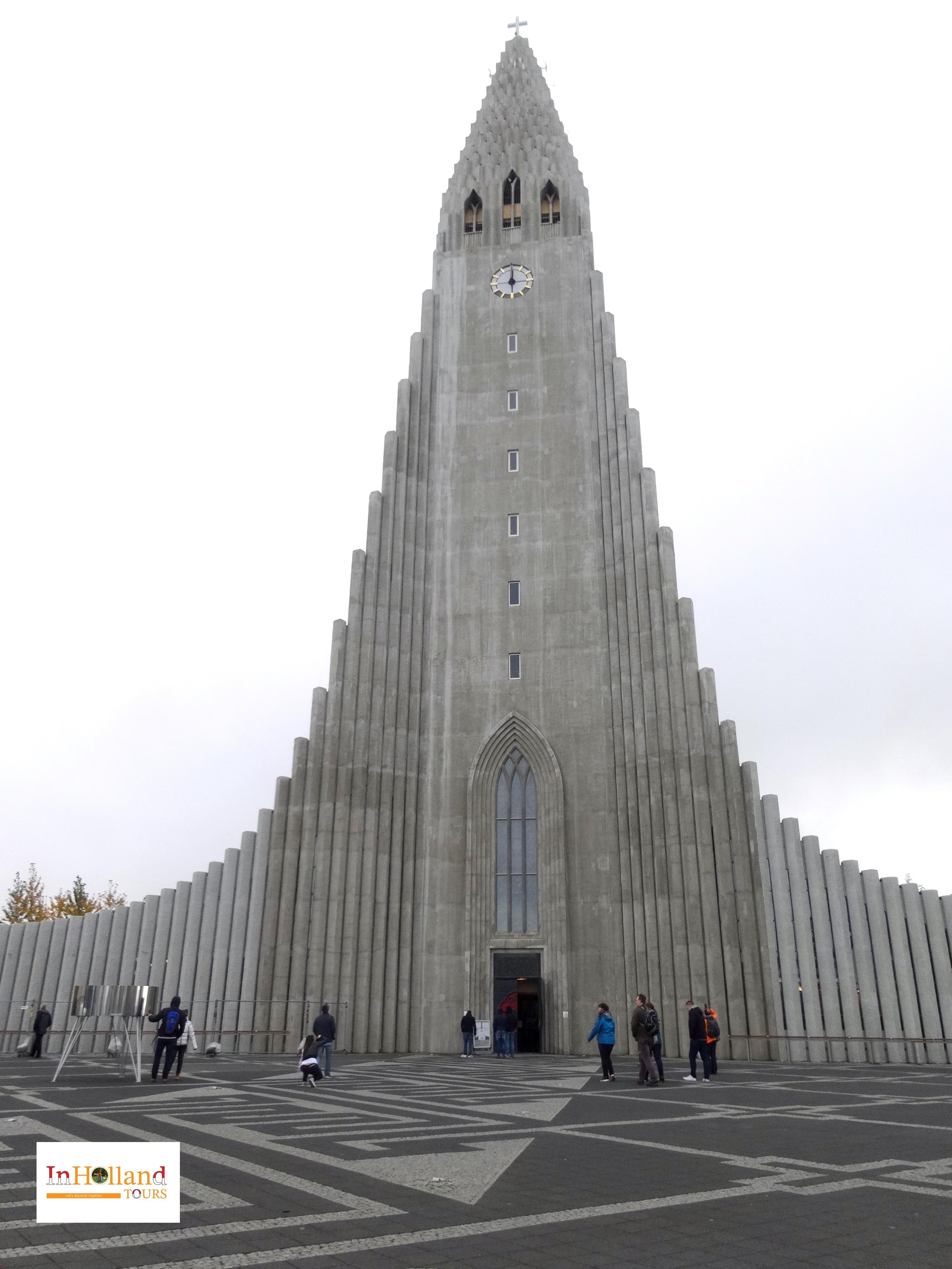 gereja di islandia