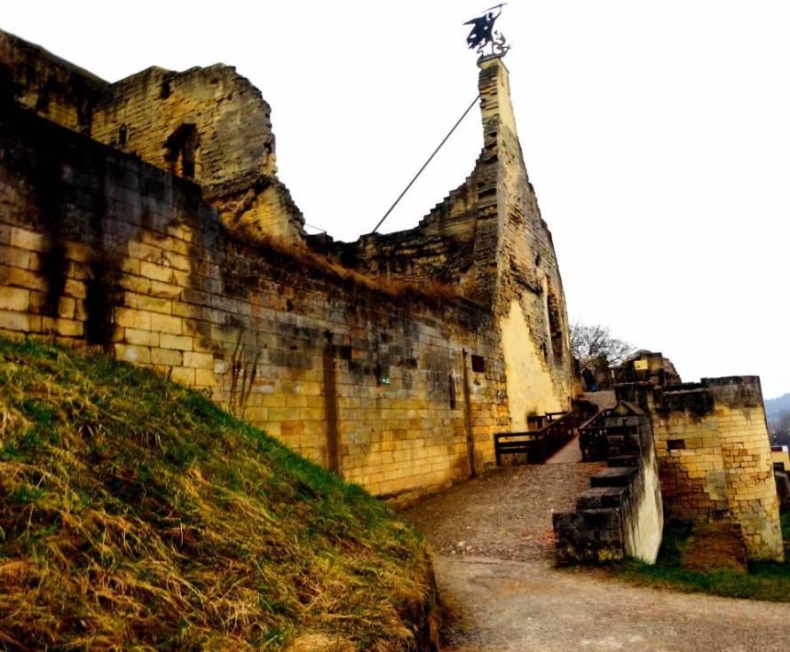Kastil Ruine Belanda - IndoHolland Tours