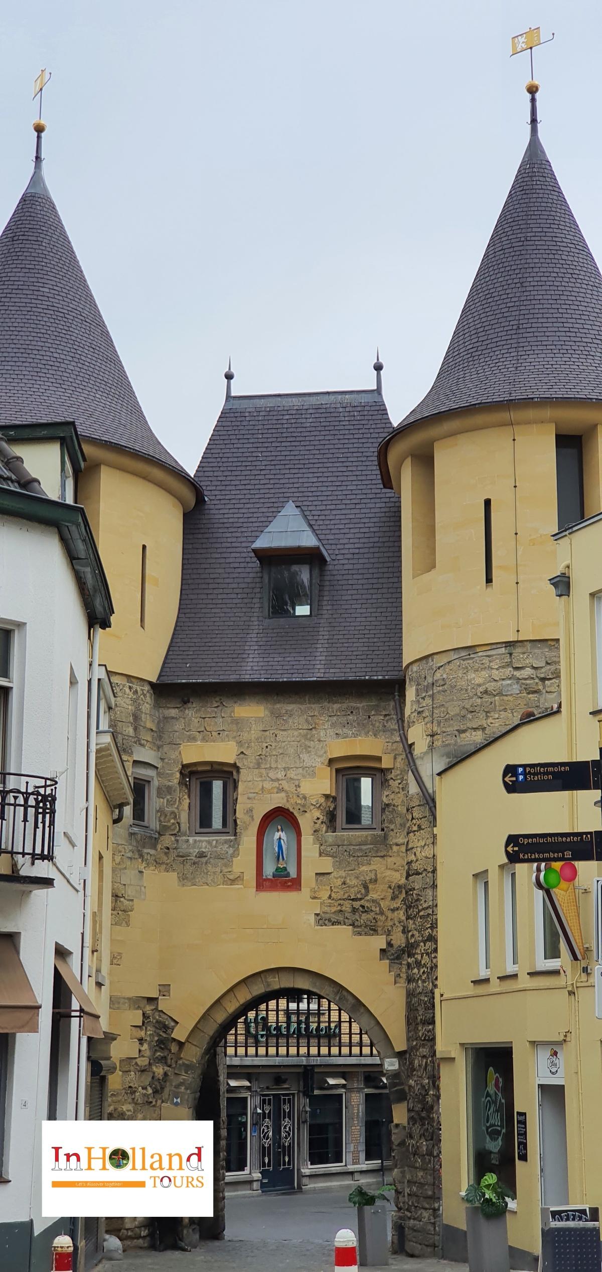 Kastil tua Valkenburg Belanda
