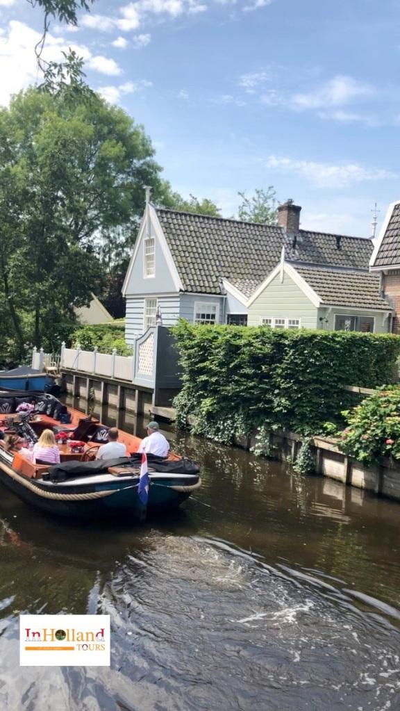 Kanal di Broek in Waterland, Belanda