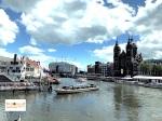 naik kapal di Amsterdam