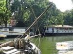 Rumah kapal unik di huni oleh warga Belanda